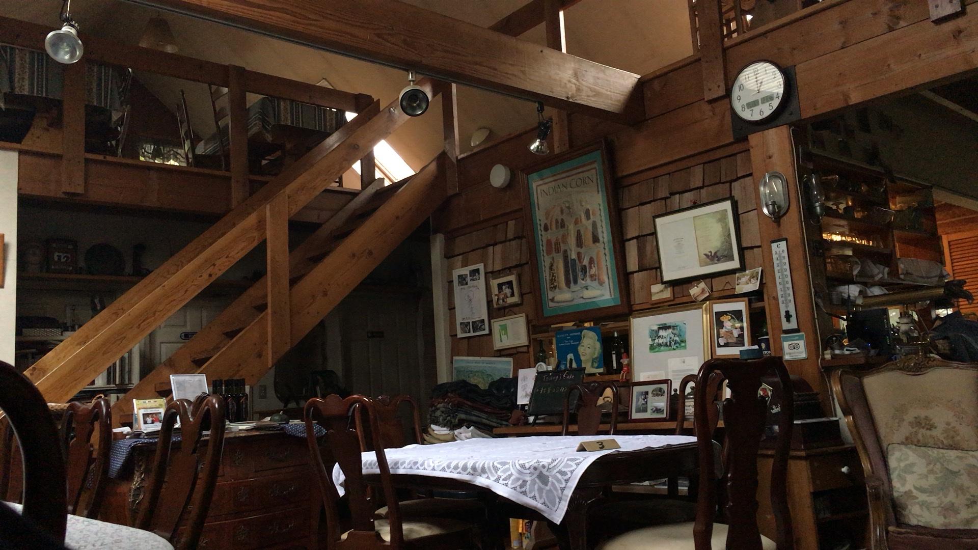 【カフェブロッサム】は薪ストーブ料理の楽しめるカフェ!